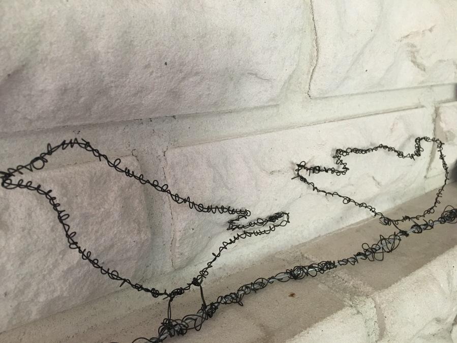 Rautalankaa ja heijastimia!  Iron wire andreflectors!